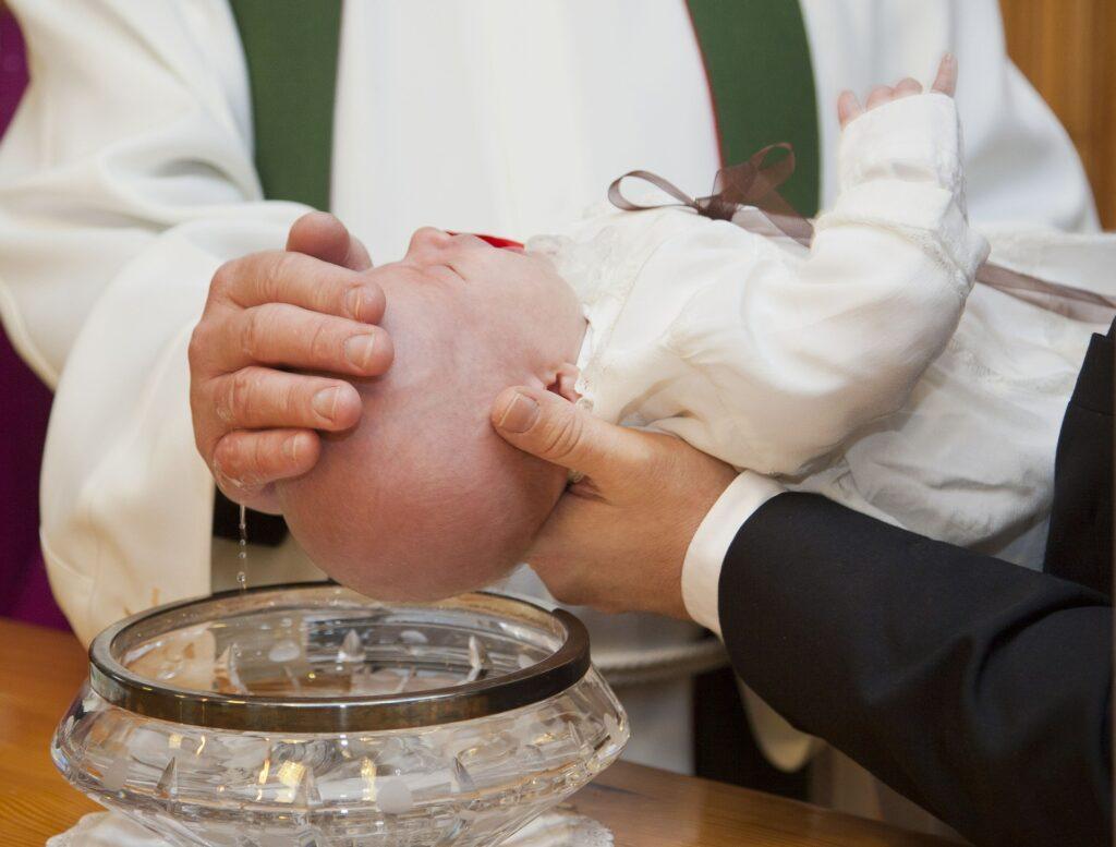 requisitos para el bautizoiglesia san francisco de guayaquil requisitos para bautizorequisitos para bautizo en la catedralpara bautizar a un niño los padres deben estar casadosrequisitos para bautizar un niñorequisitos para bautizar a un adulto en la iglesia católicarequisitos para bautizarsecuantos padrinos son para un bautizo